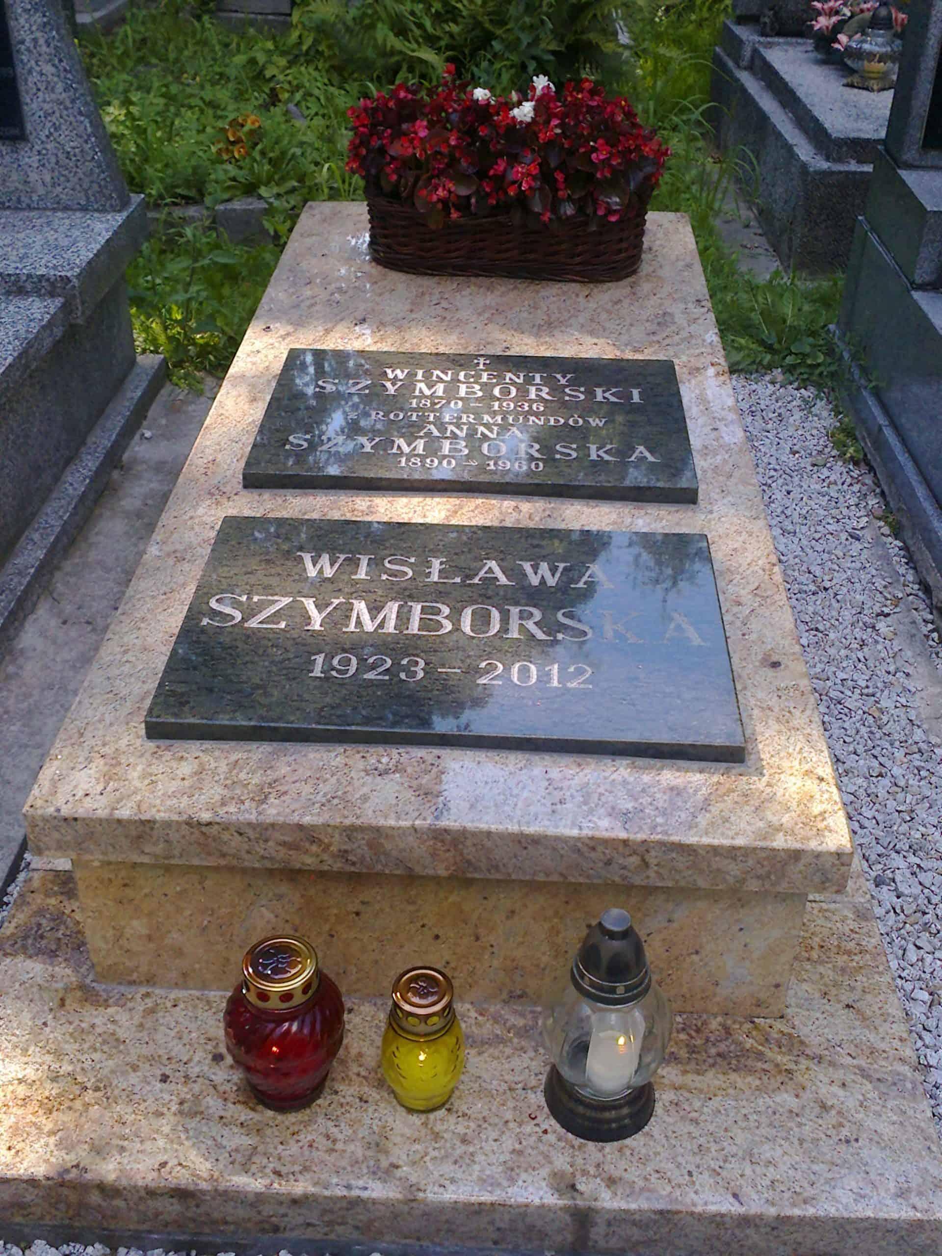 Grób wisławy szymborskiej cmentarz rakowicki kraków