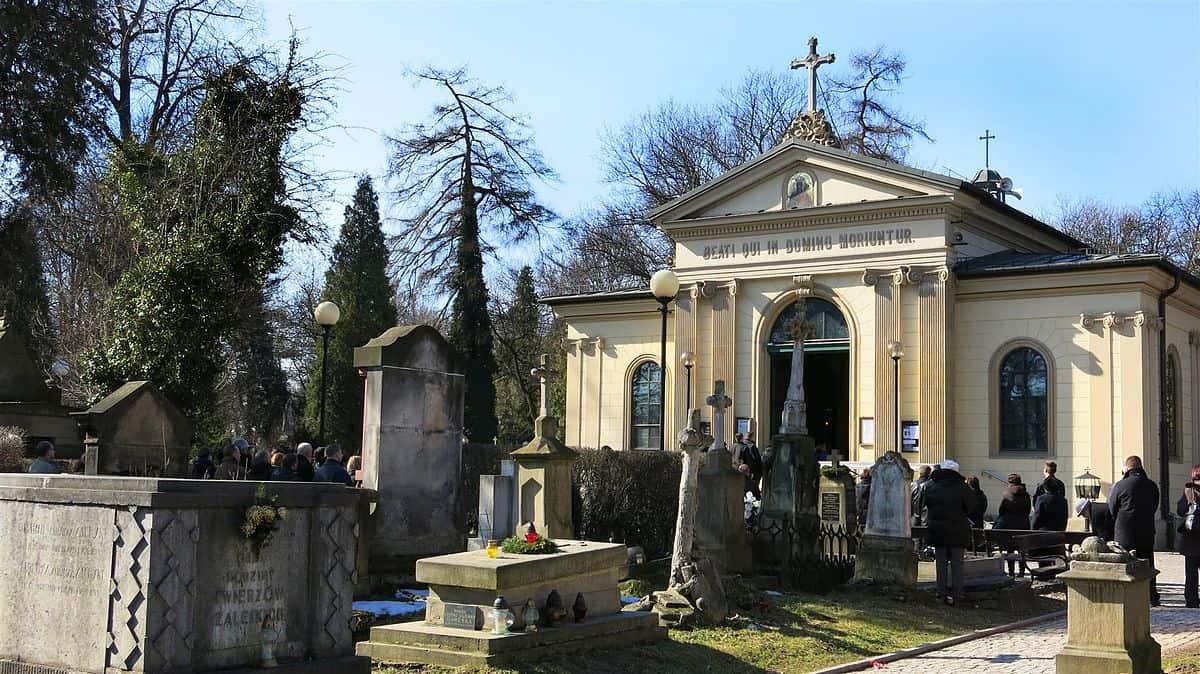 Kaplica zmartwychwstania pańskiego - cmentarz rakowcki kraków