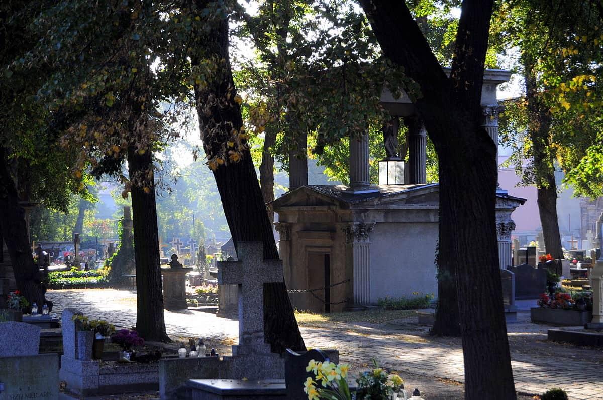 Neoklasycystyczny grobowiec rodziny Idzikowskich