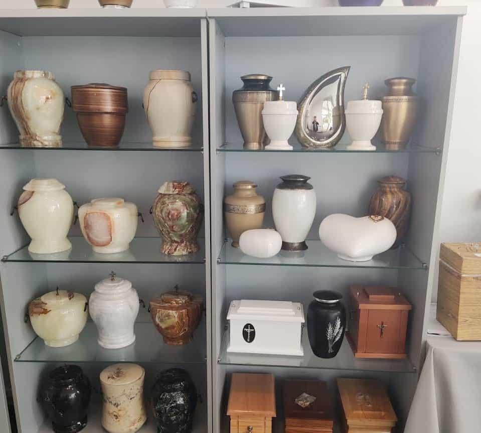 Wzory dostępnych urn w firmie Zakład Pogrzebowy Krzemińscy Świecie