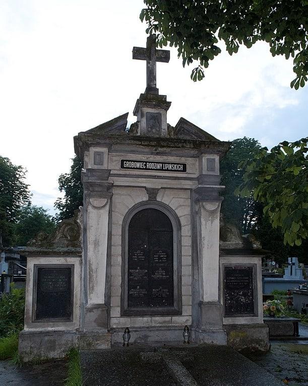 Cmentarz wSanoku grobowiec Lipińskich